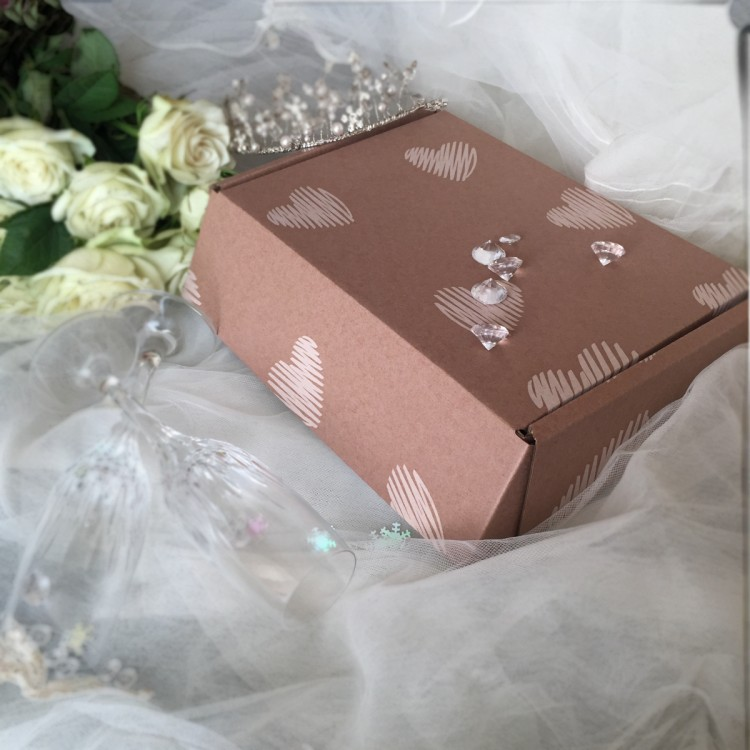 "Lidded Wedding Gift Box 10"" x 7"" x 3"" (254mm x 178mm x 77mm)"